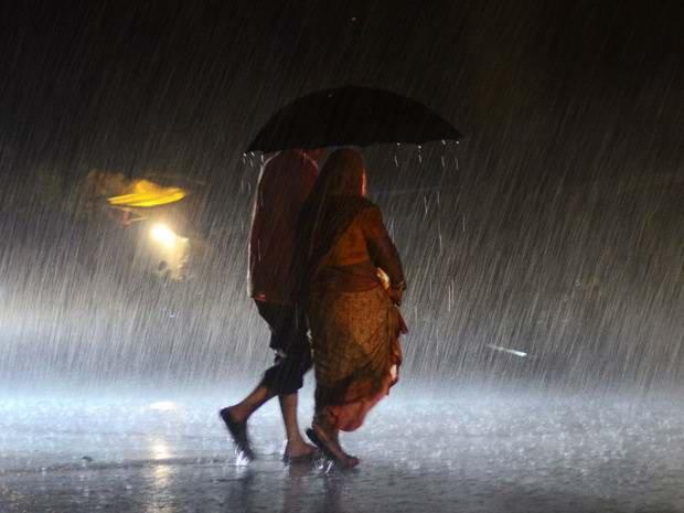 Индия: из-за проливных дождей погибли не менее 70 человек