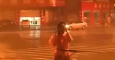 из центра тайфуна