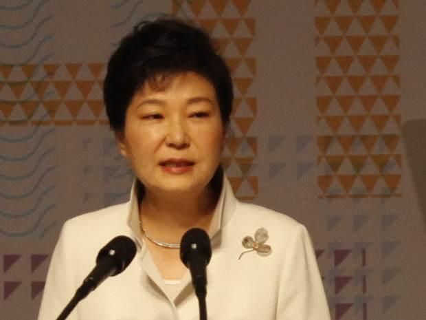 Президент Южной Кореи приказала привести войска в повышенную боеготовность