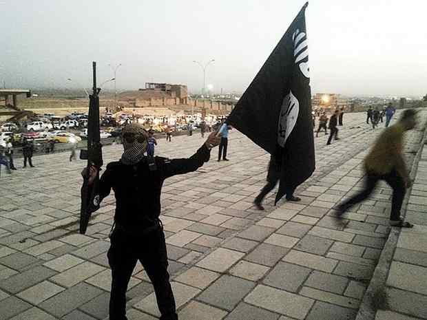 """Боевик """"Исламского государства"""" публично казнил собственную мать"""
