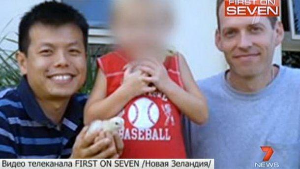 В США российский ребенок стал жертвой геев-педофилов.