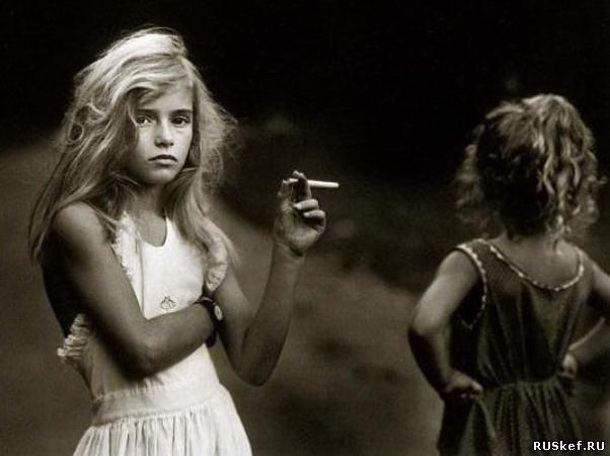 Подобные Одной из причин широкого распространения курения среди подростков детей